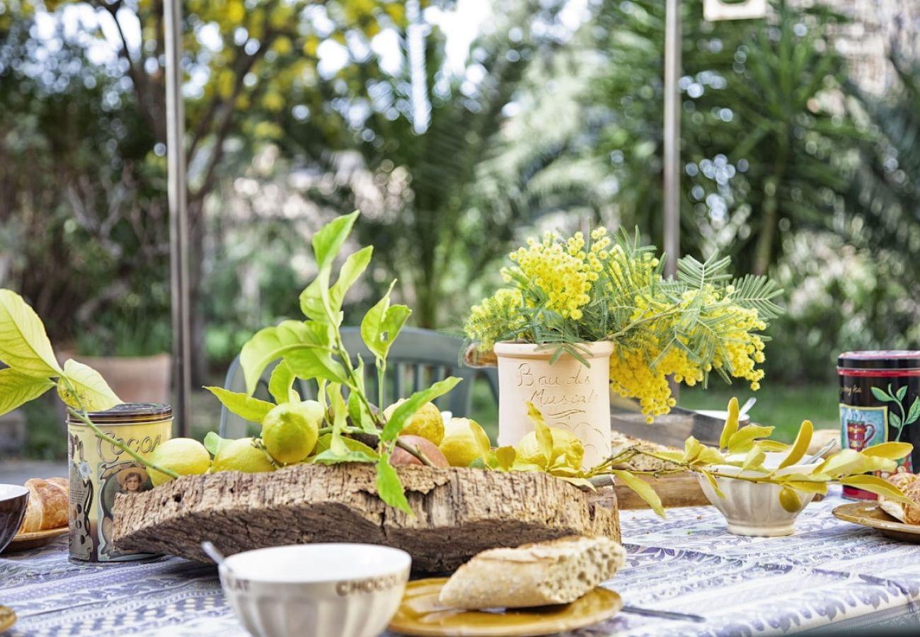 Maison à Ceyreste - Mas des oliviers. Charme & écrin de verdure, clim