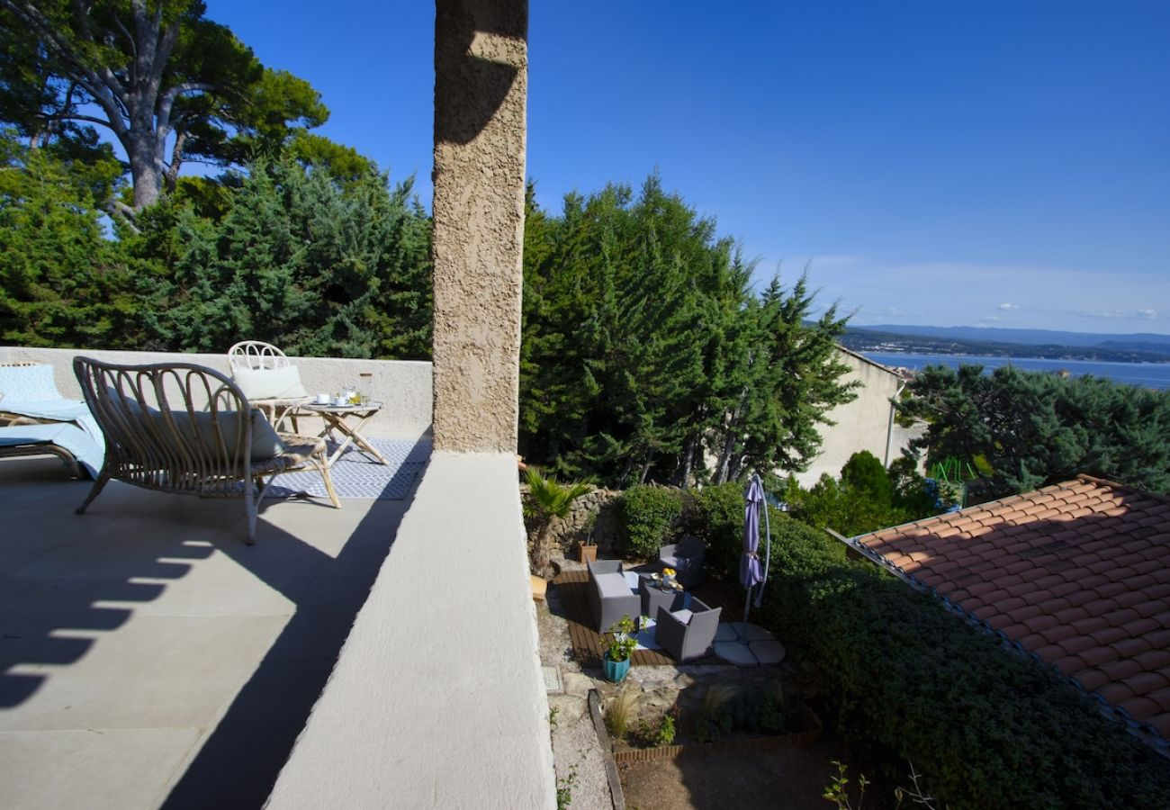 Maison à La Ciotat - Escaumo. Maison stylée, clim, jardin, vue mer.