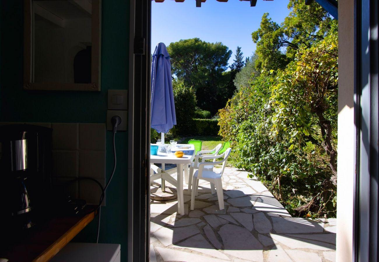 Maison à La Ciotat - Petite Briandière. Maisonnette, Clim, jardin, WIFI
