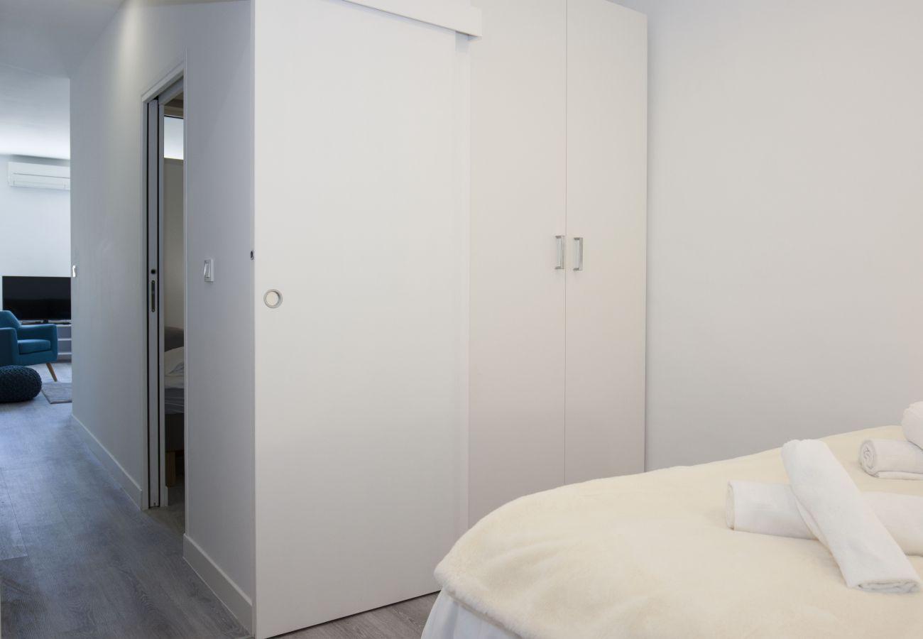 Appartement à La Ciotat - Cahino, déco contemporaine, clim, parking.
