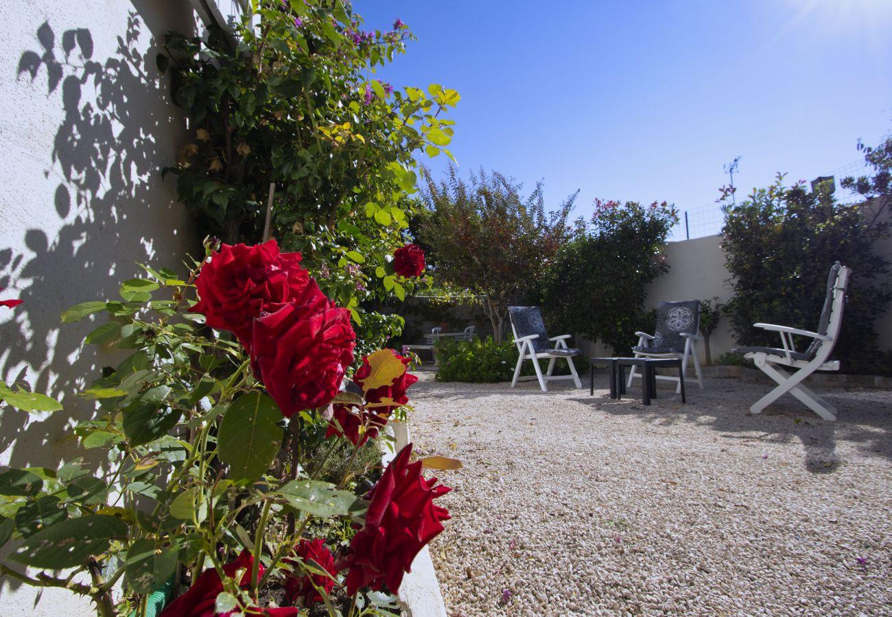 Appartement à La Ciotat - Gerlé. Appart rénové, proximité mer, jardin, BBQ