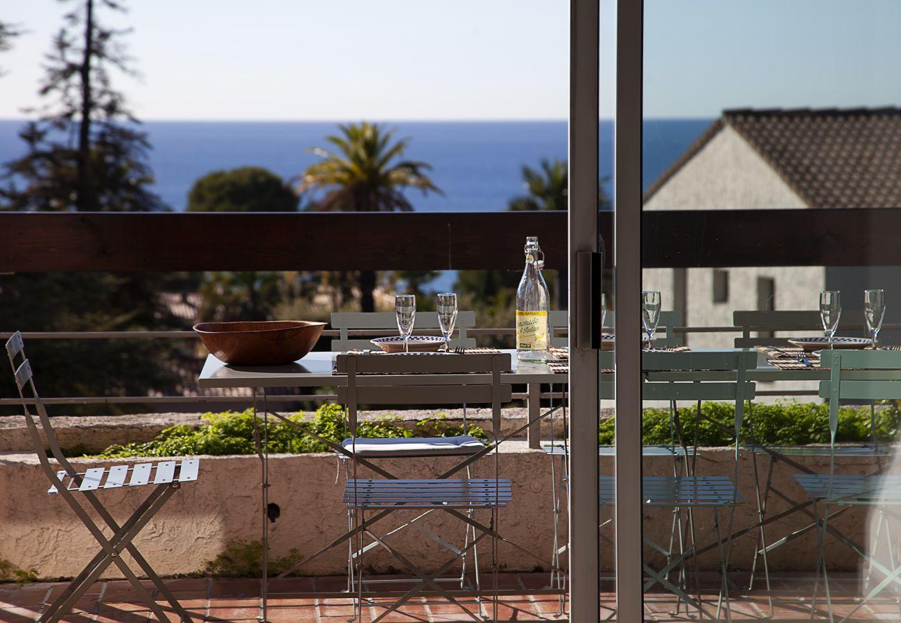 Appartement à La Ciotat - Bali, Totalement rénové, vue mer clim piscine WIFI