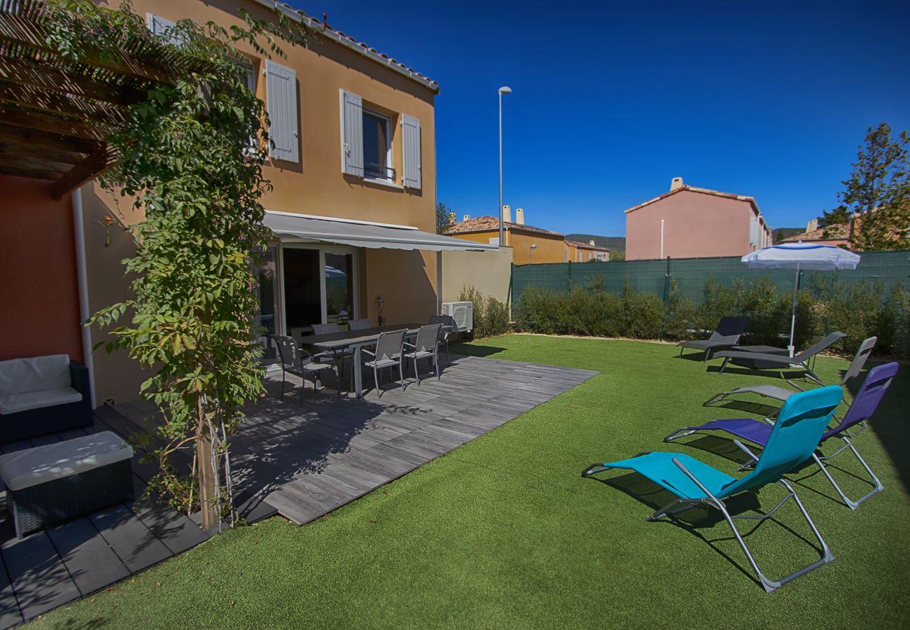 Maison à La Ciotat - Cannier. Clim, piscine chauffée, jardin, parking