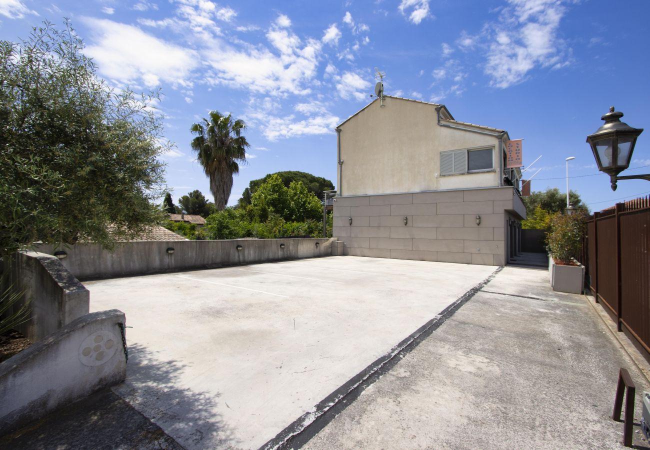 Aparthotel à Saint-Cyr-sur-Mer - Studio Alon. Idéal pour vos vacances/séjours pros