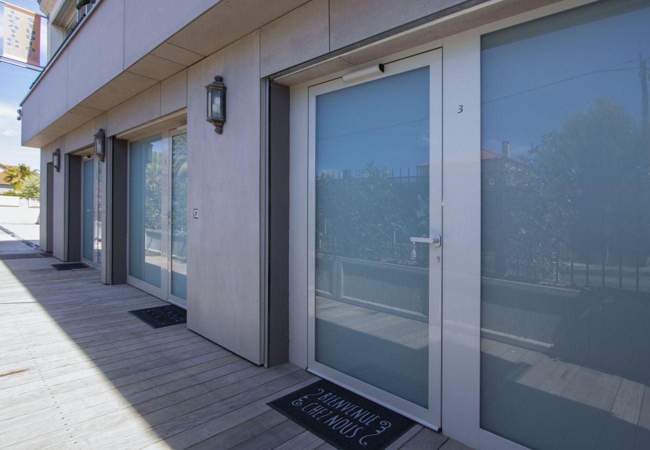 Aparthotel à Saint-Cyr-sur-Mer - Studio Moutte. Idéal pour vos vacances/séjours pro