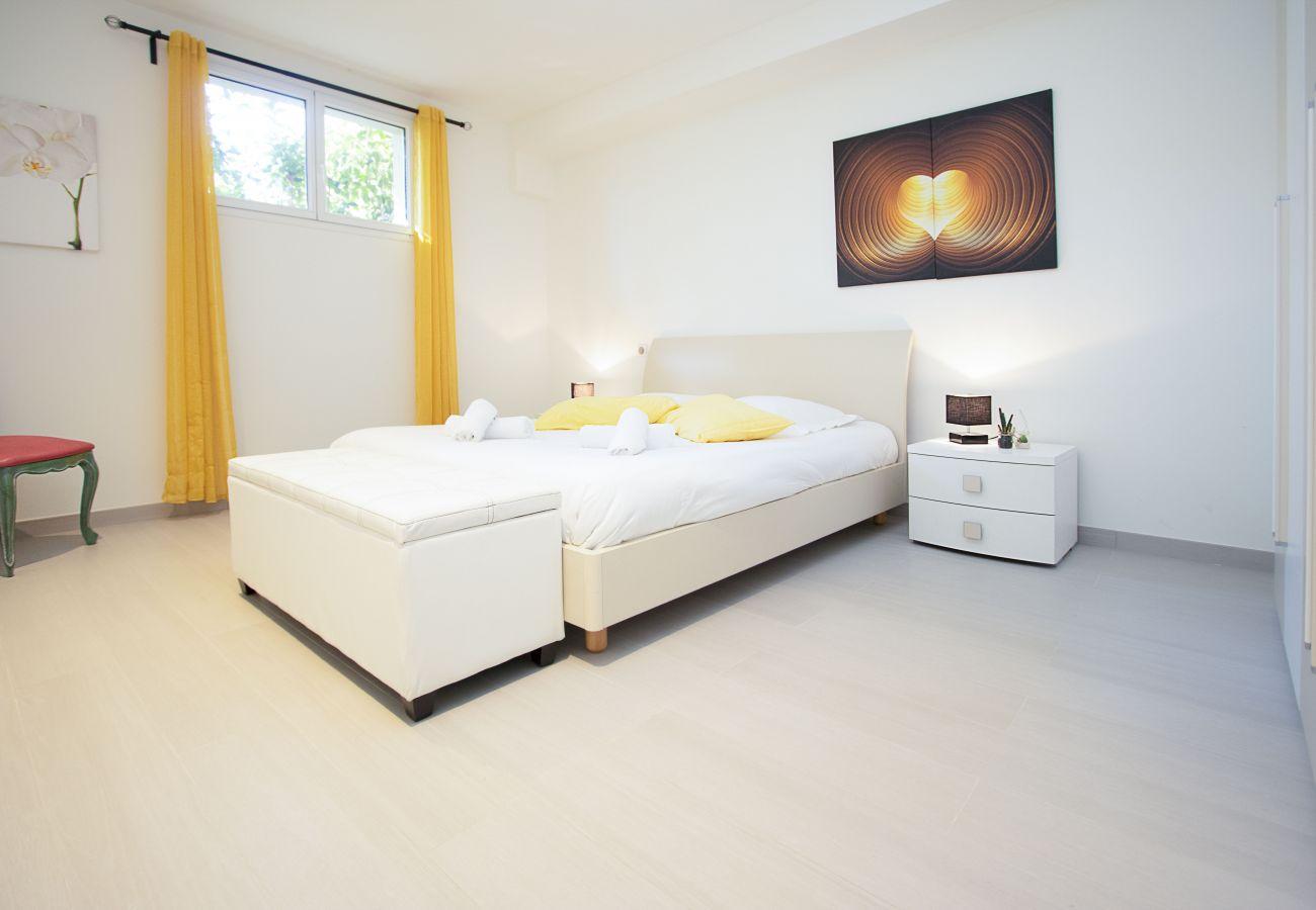 Villa à Roquefort-la-Bédoule - Rouvières.BS. Piscine chauffée,clim,salle de sport