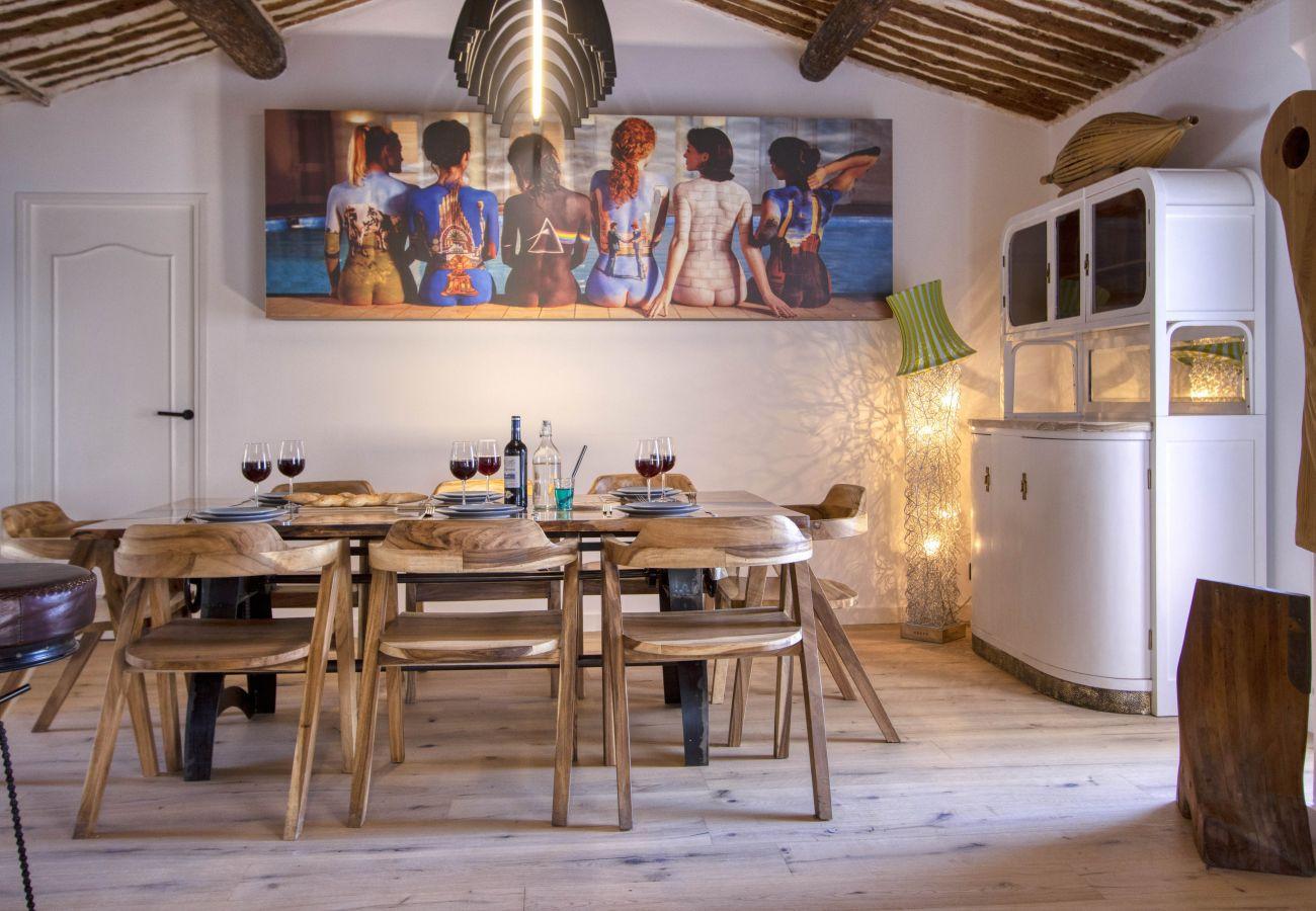Maison à La Ciotat - Sea Sand House. Villa-galerie. Bord de mer, clim
