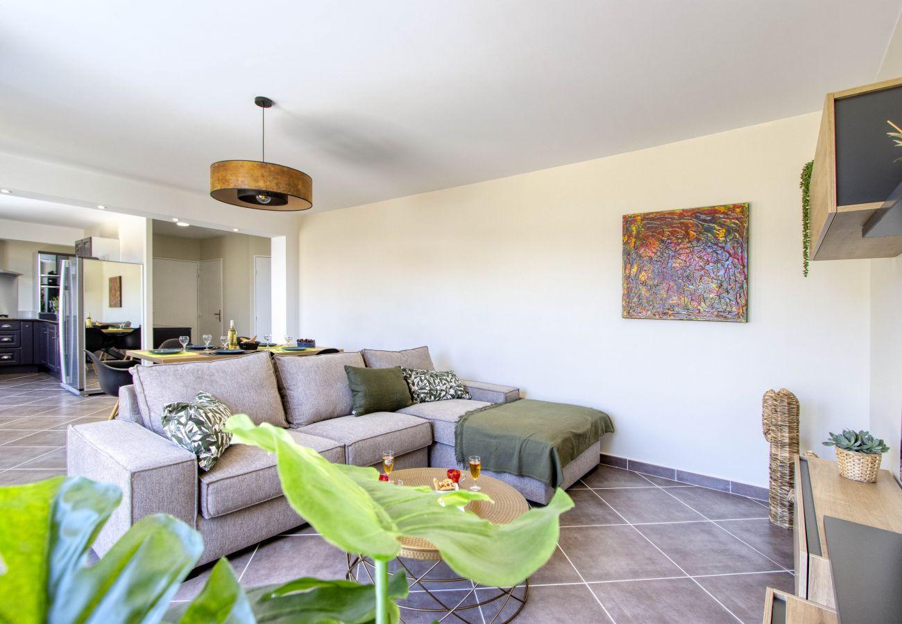 Appartement à La Ciotat - Savéu. Grande terrasse, vue mer, clim, parking